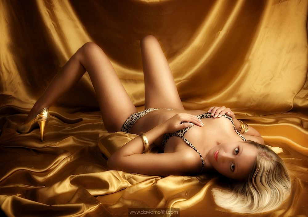 Fifty-Shades-Boudoir-Photography-06