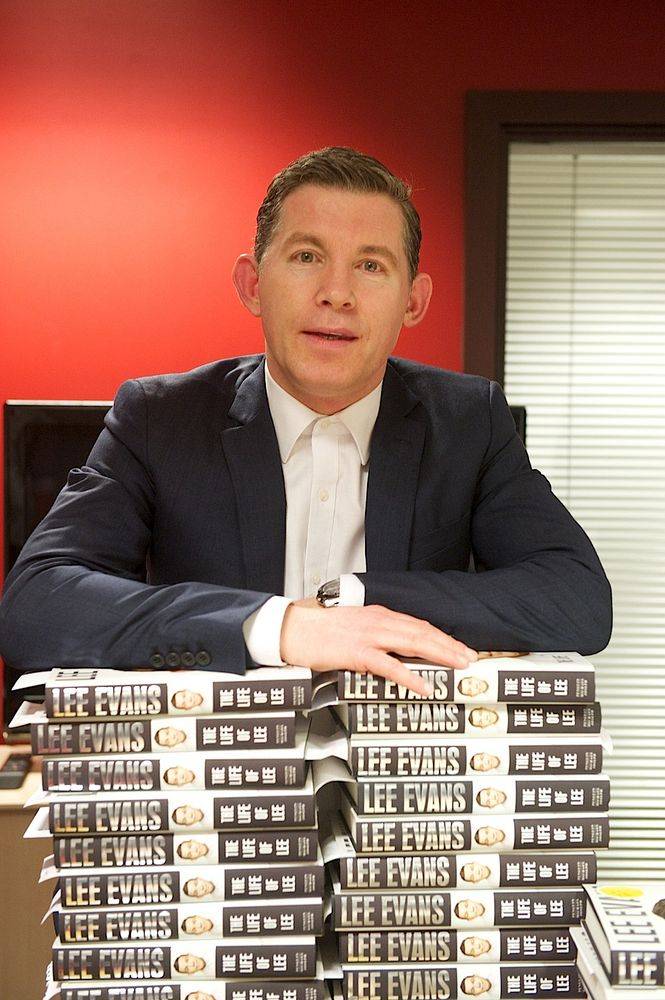 Lee Evans booksigning