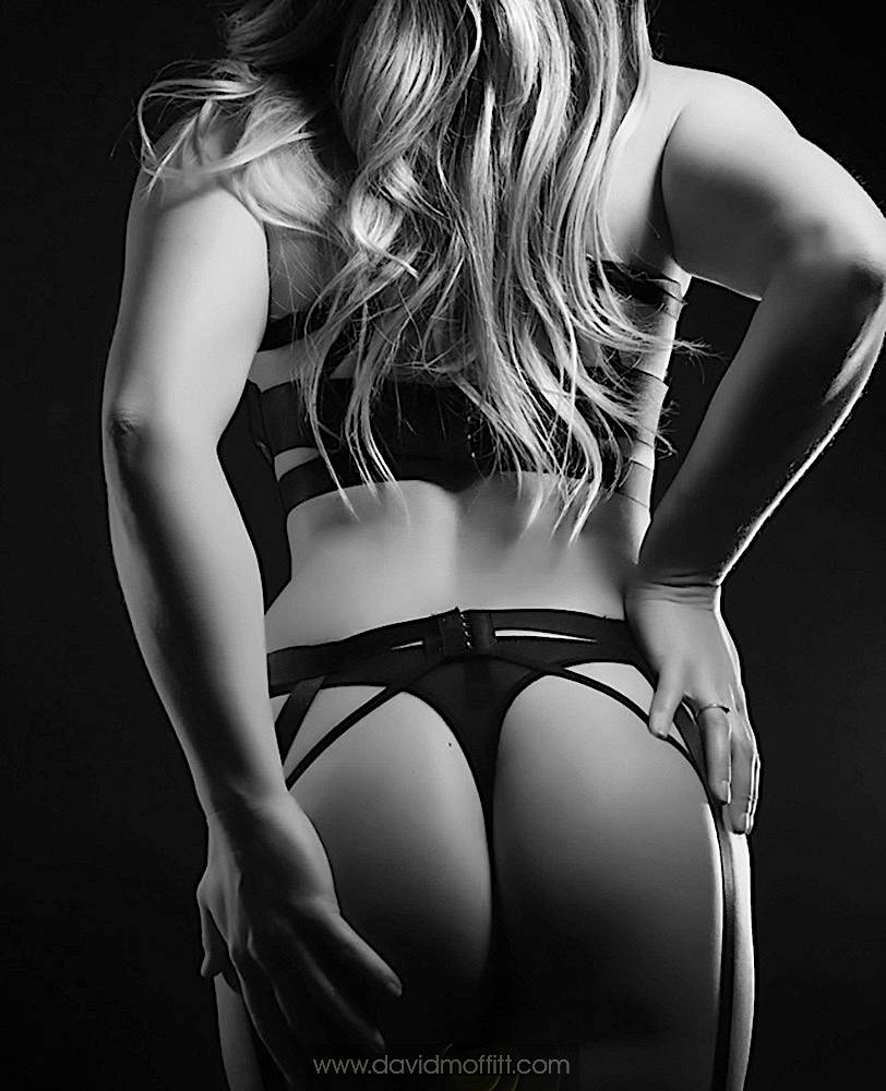 Fifty-Shades-Boudoir-Photography-43